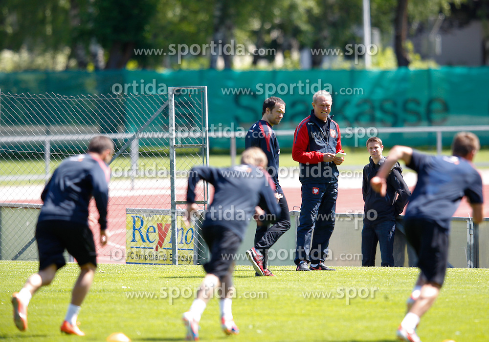17.05.2012, Dolomitenstadion, Lienz, AUT, UEFA EURO 2012, Trainingscamp, Polen, Ankunft der Mannschaft, im Bild  Franciszek Smuda (POL) bei einer Trainingseinheit seiner Mannschaft // during first training of polish National Footballteam for preparation UEFA EURO 2012 at Dolomitenstadion, Lienz, Austria on 2012/05/17. EXPA Pictures © 2012, PhotoCredit: EXPA/ Johann Groder