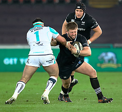 Ospreys' Scott Otten under pressure from Connacht's Denis Buckley<br /> <br /> Photographer Simon King/Replay Images<br /> <br /> Guinness PRO14 Round 19 - Ospreys v Connacht - Friday 6th April 2018 - Liberty Stadium - Swansea<br /> <br /> World Copyright © Replay Images . All rights reserved. info@replayimages.co.uk - http://replayimages.co.uk