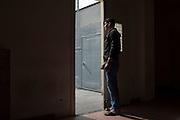 Un trattenuto all'interno della struttura del CIE di Gradisca.<br /> Gradisca d'Isonzo (GO) ,10 settembre 2013. Daniele Stefanini / OneShot
