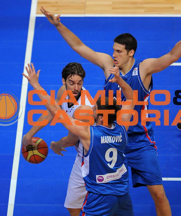 DESCRIZIONE : Vilnius Lithuania Lituania Eurobasket Men 2011 Second Round Spagna Serbia Spain Serbia<br /> GIOCATORE : Pau Gasol<br /> CATEGORIA : passaggio difesa penetrazione<br /> SQUADRA : Spagna Spain<br /> EVENTO : Eurobasket Men 2011<br /> GARA : Spagna Serbia Spain Serbia<br /> DATA : 09/09/2011<br /> SPORT : Pallacanestro <br /> AUTORE : Agenzia Ciamillo-Castoria/T.Wiendesohler<br /> Galleria : Eurobasket Men 2011<br /> Fotonotizia : Vilnius Lithuania Lituania Eurobasket Men 2011 Second Round Spagna Serbia Spain Serbia<br /> Predefinita :