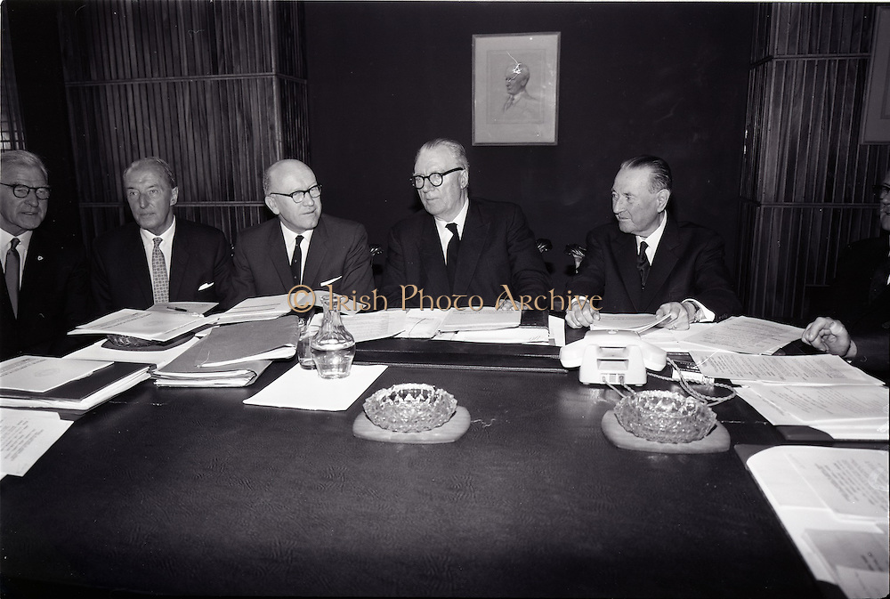 29/06/1965<br /> 06/29/1965<br /> 29 June 1965<br /> New Ireland Assurance Co. Ltd., AGM at New Ireland Buildings, 12 Dawson Street, Dublin. Pictured are (l-r): Mr. L.S. O Riordain; Mr. M.J. Campbell, P.C.; Mr. Padraig Ó Nuállaín, B.A., B.Comm., A.C.A., Secretary; Mr. M.L. Ó Raghallaigh, LL.D., P.C., F.C.I.I., Chairman and Managing Director and Mr. Francis J. Thornton, General Manager.