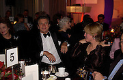Henrietta the Dowager Countess of Bedford, Arnaud Bamberger and the Countess of March and Kinrara, The 2004 Cartier Racing awards, Four Seasons Hotel. London. 17 November 2004. ONE TIME USE ONLY - DO NOT ARCHIVE  © Copyright Photograph by Dafydd Jones 66 Stockwell Park Rd. London SW9 0DA Tel 020 7733 0108 www.dafjones.com