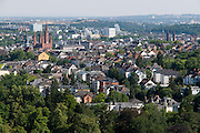 Blick vom Neroberg, Nerotal im Vordergrund, Wiesbaden, Hessen, Deutschland | view from Neroberg, Wiesbaden, Hesse, Germany