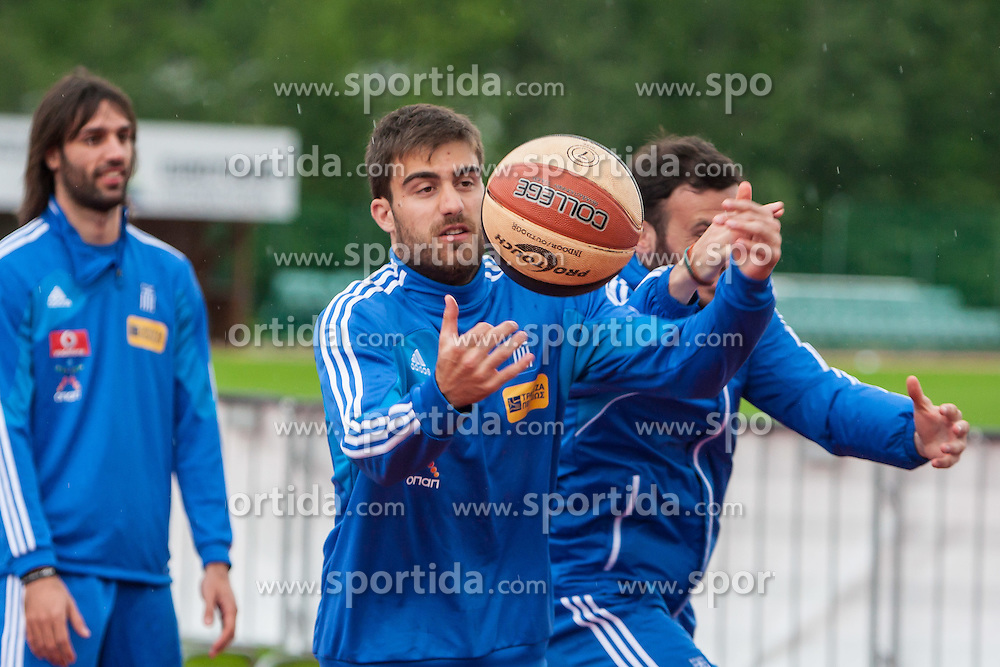 23.05.2012, Casino Stadion, Kitzbuehel, AUT, UEFA EURO 2012, Trainingscamp, Griechenland, Training, im Bild beim Basketballspielen Sokratis Papastathopoulos, (GRE) // during a trainings Session of Greece National Footballteam for preparation UEFA EURO 2012 at Casino Stadium, Kitzbuehel, Austria on 2012/05/23. EXPA Pictures © 2012, PhotoCredit: EXPA/ Juergen Feichter