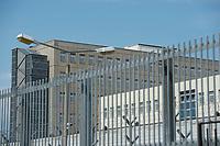 06 AUG 2014, BERLIN/GERMANY:<br /> Haus 2 (hinten), Haus 3 (mitte rechts) und Zaun, Abschiebungsgewahrsam der Berliner Polizei in Berlin-Koepenick, Gruenauer Strasse 140<br /> IMAGE: 20150806-01-029<br /> KEYWORDS: Köpenick, Abschiebungshaft, Abschiebeknast, Abschiebehaft, Polizeiabschiebehaftanstalt, Grünau; Gruenau