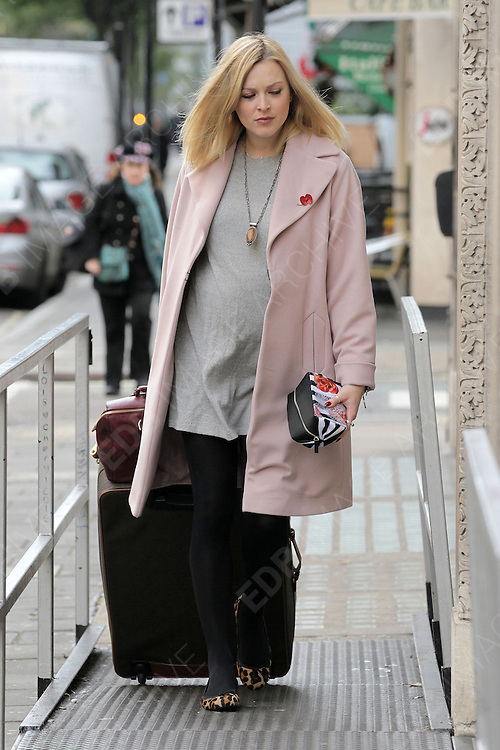 02.NOVEMBER.2012. LONDON<br /> <br /> FEARNE COTTON ARRIVING AT THE BBC RADIO ONE STUDIO IN LONDON.<br /> <br /> BYLINE: EDBIMAGEARCHIVE.CO.UK<br /> <br /> *THIS IMAGE IS STRICTLY FOR UK NEWSPAPERS AND MAGAZINES ONLY*<br /> *FOR WORLD WIDE SALES AND WEB USE PLEASE CONTACT EDBIMAGEARCHIVE - 0208 954 5968*