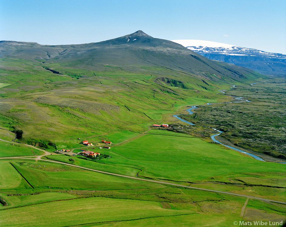 Kalmannstunga séð til austurs, Hvitá, Eiríksjökull í baksýni. Borgarbyggð áður Hvítársíðuhreppur. / Kalmanstunga viewing east, river Hvita and Eiriksjokull glacier in background.