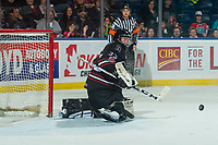 KELOWNA, CANADA - FEBRUARY 14:  Riley Lamb #33 of the Red Deer Rebels makes a save against the Kelowna Rockets on February 14, 2018 at Prospera Place in Kelowna, British Columbia, Canada.  (Photo by Marissa Baecker/Shoot the Breeze)  *** Local Caption ***