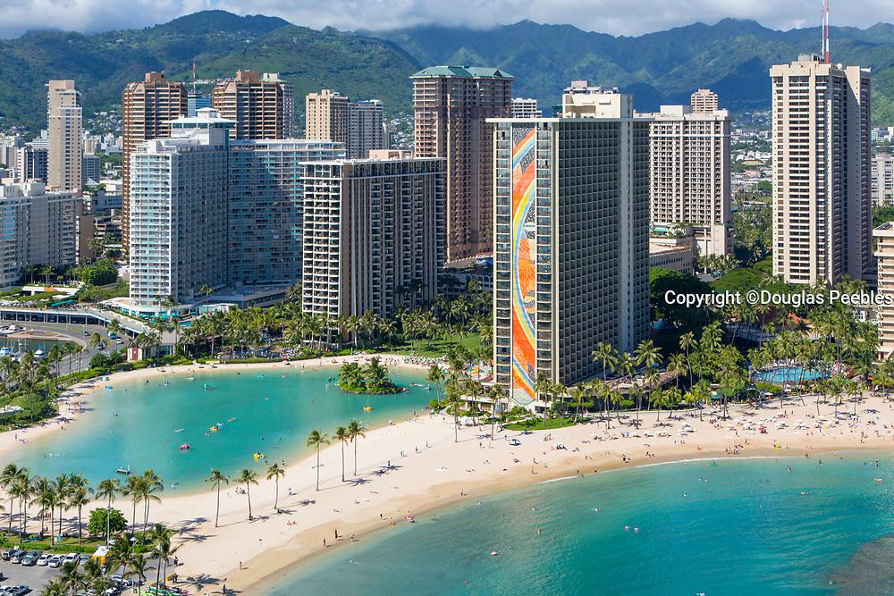 Hilton Hawaiian Village Waikiki Beach Photo Gallery: Hilton Hawaiian Village, Rainbow Tower, Waikiki, Beach