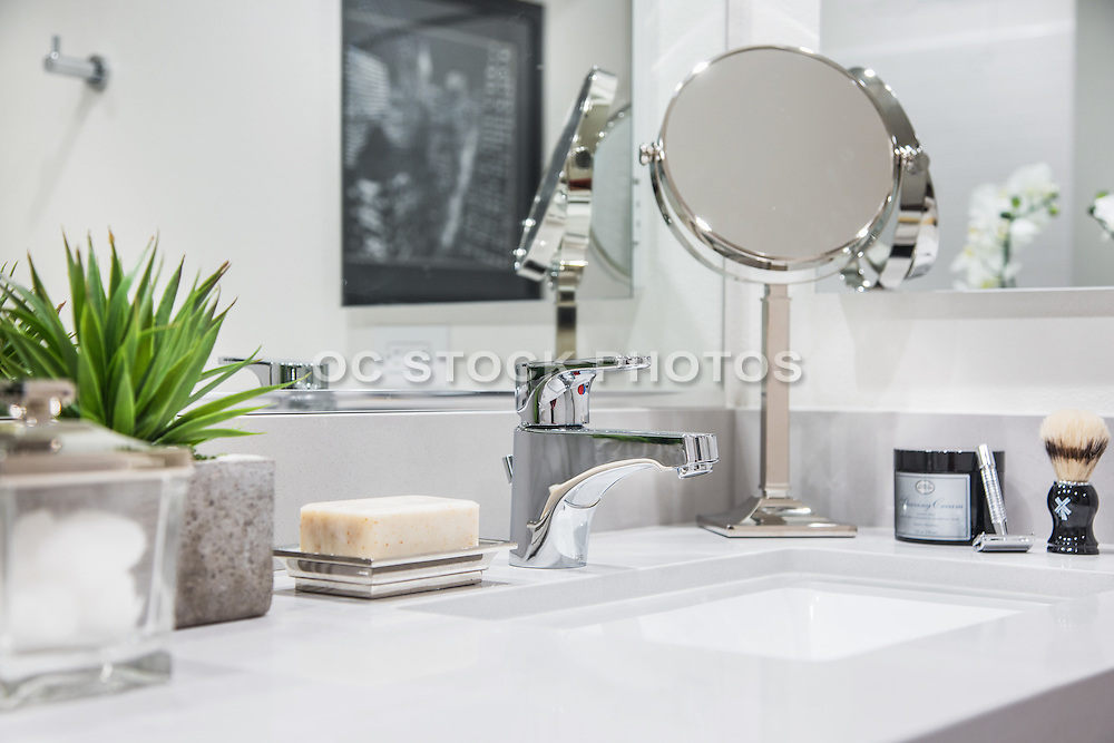 Bathroom with White Counter and Polished Chrome Fixtures