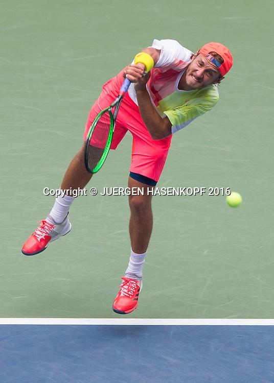 LUCAS POUILLE (FRA), von oben<br /> <br /> Tennis - US Open 2016 - Grand Slam ITF / ATP / WTA -  USTA Billie Jean King National Tennis Center - New York - New York - USA  - 6 September 2016.