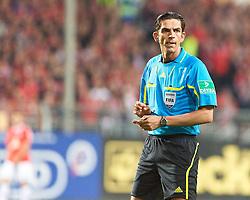 15.04.2011, Bruchwegstadion, Mainz, GER, 1. FBL, Mainz 05 vs Borussia M Gladbach, im Bild Deniz Aytekin EXPA Pictures © 2011, PhotoCredit: EXPA/ nph/  Roth       ****** out of GER / SWE / CRO  / BEL ******