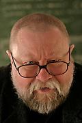 12.04.2006 Warszawa. Prof. Jerzy Bralczyk na wydziale dziennikarstwa Uniwersytetu Warszawskiego. Fot. Piotr Gesicki Jerzy Bralczyk polish linguist photo Piotr Gesicki