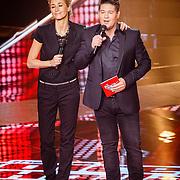 NLD/Hilversum/20160129 - Finale The Voice of Holland 2016, Wendy van Dijk en Martijn Krabbe
