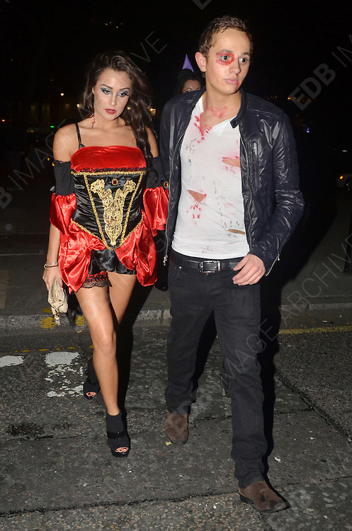 30.OCTOBER.2011. LONDON<br /> <br /> GEORGE LINEKER ARRIVING AT A HALLOWEEN PARTY HELD AT 5 CAVENDISH SQUARE IN LONDON<br /> <br /> BYLINE: EDBIMAGEARCHIVE.COM<br /> <br /> *THIS IMAGE IS STRICTLY FOR UK NEWSPAPERS AND MAGAZINES ONLY*<br /> *FOR WORLD WIDE SALES AND WEB USE PLEASE CONTACT EDBIMAGEARCHIVE - 0208 954 5968*