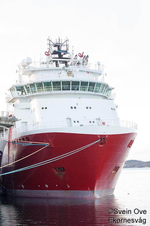 Far Sagaris fra Farstad Shipping  ligger i opplag i Ålesund under oljekrisen 2016.<br /> Foto: Svein Ove Ekornesvåg