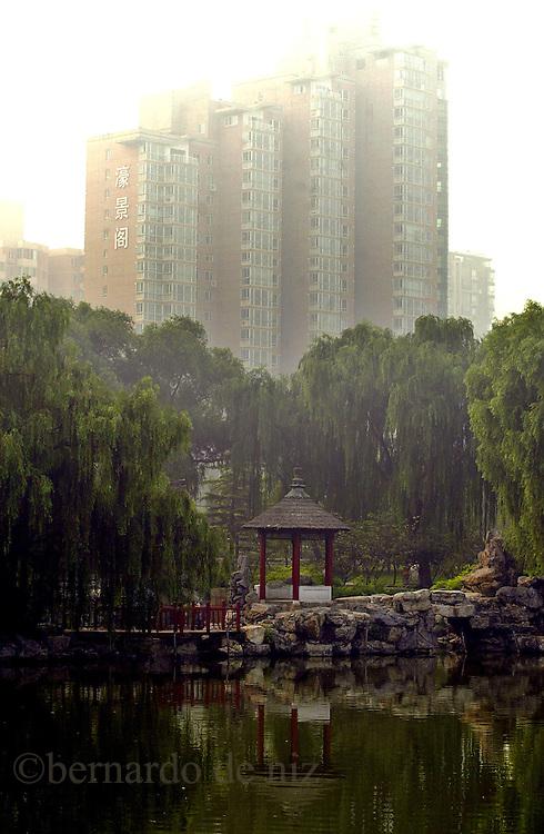 Paisaje urbano del Parque Ho Hai, en Beijing, China. foto: Bernardo De Niz