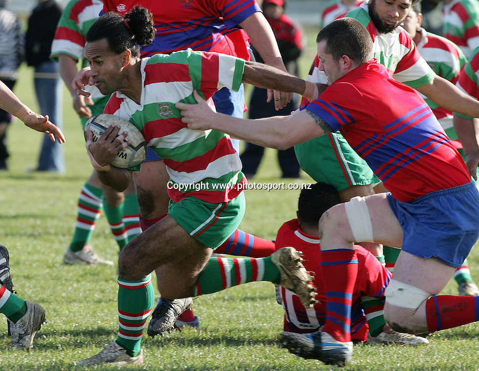 Tupo Faamasino in action for East Tamaki during the senior premier 1 club rugby match between Suburbs and East Tamaki at Avondale No.1, Auckland, New Zealand on Saturday 15 July, 2006. Photo: Hannah Johnston/PHOTOSPORT<br />