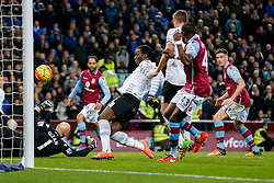 Romelu Lukaku of Everton beats Brad Guzan of Aston Villa to score his sides 3rd goal of the game - Mandatory byline: Rogan Thomson/JMP - 01/03/2016 - FOOTBALL - Villa Park Stadium - Birmingham, England - Aston Villa v Everton - Barclays Premier League.