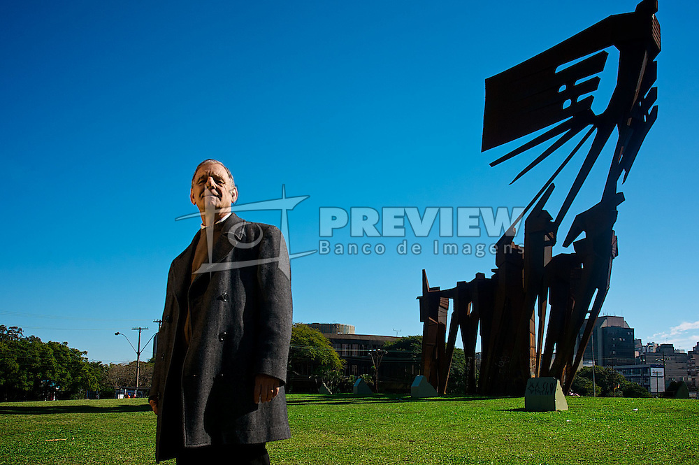 Ivo Ladislau, compositor e pesquisador da cultura açoriana. FOTO: Lucas Uebel/Preview.com