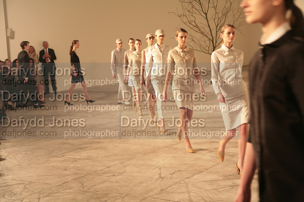 Cos Collection launch. Launch of new Hennes And Mauritz brand. Royal academy of Arts. Burlington Place. london. 14 march 2007.  -DO NOT ARCHIVE-© Copyright Photograph by Dafydd Jones. 248 Clapham Rd. London SW9 0PZ. Tel 0207 820 0771. www.dafjones.com.