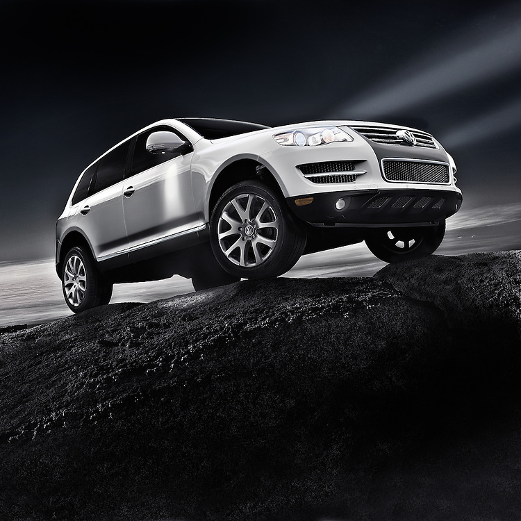 CGi image of VW Touareg on top of the world.