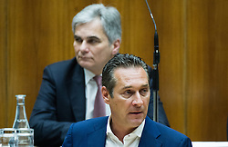 14.01.2015, Parlament, Wien, AUT, Parlament, 57. Nationalratssitzung, Sondersitzung des Nationalrates auf Verlangen von FPÖ, Grünen und NEOS zum Einsetzen eines Untersuchungsausschuss zur Causa Hypo Alpe Adria. im Bild Klubobmann FPOe Heinz-Christian Strache vor Bundeskanzler Werner Faymann (SPÖ) // Leader of the parliamentary group FPOe Heinz Christian Strache in front of Federal Chancellor of Austria Werner Faymann (SPOe) during the 57th meeting of the National Council of austria with topic commission of inquiry in case of Hypo Alpe Adria bank at austrian parliament in Vienna, Austria on 2015/01/14, EXPA Pictures © 2015, PhotoCredit: EXPA/ Michael Gruber