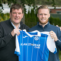 Denny Johnstone pictured with Manager Tommy Wright ahead of training today after signing a 12 month loan deal with St Johnstone…24.08.17<br />Picture by Graeme Hart.<br />Copyright Perthshire Picture Agency<br />Tel: 01738 623350  Mobile: 07990 594431