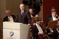 09 FEB 2003, BERLIN/GERMANY:<br /> Wladimir Putin, Praesident Russische Foerderation, haelt eine Rede, waehrend der Eroeffnung der Deutsch-Russischen Kulturbegegnungen durch ein Konzert der Petersburger Philarmoniker, Konzerthaus am Gendarmenmarkt<br /> IMAGE: 20030209-01-037<br /> KEYWORDS: Präsident, Russische Förderation, Russland