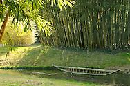 """France, Languedoc Roussillon, Gard, Cévennes, Anduze, Prafrance, La Bambouseraie, Land art, Odile de Frayssinet, """"Rêves embarqués"""""""
