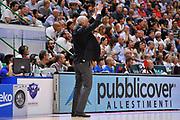 DESCRIZIONE : Beko Legabasket Serie A 2015- 2016 Dinamo Banco di Sardegna Sassari -Vanoli Cremona<br /> GIOCATORE : Cesare Pancotto<br /> CATEGORIA : Allenatore Coach Mani<br /> SQUADRA : Vanoli Cremona<br /> EVENTO : Beko Legabasket Serie A 2015-2016<br /> GARA : Dinamo Banco di Sardegna Sassari - Vanoli Cremona<br /> DATA : 04/10/2015<br /> SPORT : Pallacanestro <br /> AUTORE : Agenzia Ciamillo-Castoria/C.Atzori