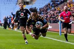 Marcus Watson of Wasps scores a try - Mandatory by-line: Robbie Stephenson/JMP - 05/01/2020 - RUGBY - Ricoh Arena - Coventry, England - Wasps v Northampton Saints - Gallagher Premiership Rugby