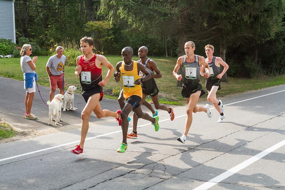 Ben True leads mile 3