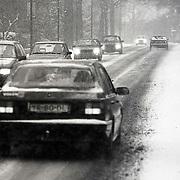 NLD/Huizen/19910208 -  Hevige sneeuwval Nieuw Bussummerweg Huizen