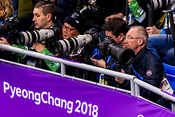 22-02-2018 KOR: Olympic Games day 13, PyeongChang<br /> Short Track Speedskating / Media fotograaf fotografen canon nikon Matty, Koen