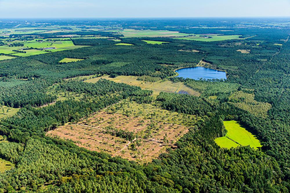 Nederland, Noord-Brabant, Breda, 23-08-2016; <br /> Chaamsche Bosschen met lokatie retentiebekken, opvangmogelijkheid voor overtollig water.<br />  Woods southeast of Breda, location retention basin for excess water.<br /> <br /> aerial photo (additional fee required); <br /> luchtfoto (toeslag op standard tarieven);<br /> copyright foto/photo Siebe Swart