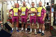 Presentatie theatervoorstelling De Marathon in de garage van de film, Rotterdam<br /> <br /> Op de foto:  De monteurs uit de bijna failliete Rotterdamse garage worden gespeeld door John Buijsman, Michiel Nooter, Kees Boot en Dennis Willekens