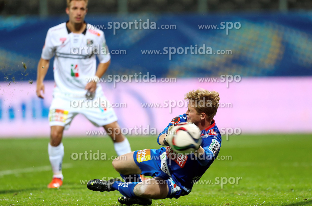 23.09.2015, Keine Sorgen Arena, Ried, AUT, OeFB Samsung Cup, SV Josko Ried vs RZ Pellets WAC, 2. Runde, im Bild Parade Christian Dobnik (WAC) // during OeFB Cup, 2nd round Match between SV Josko Ried and RZ Pellets WAC at the Keine Sorgen Arena, Ried, Austria on 2015/09/23. EXPA Pictures © 2015, PhotoCredit: EXPA/ Roland Hackl