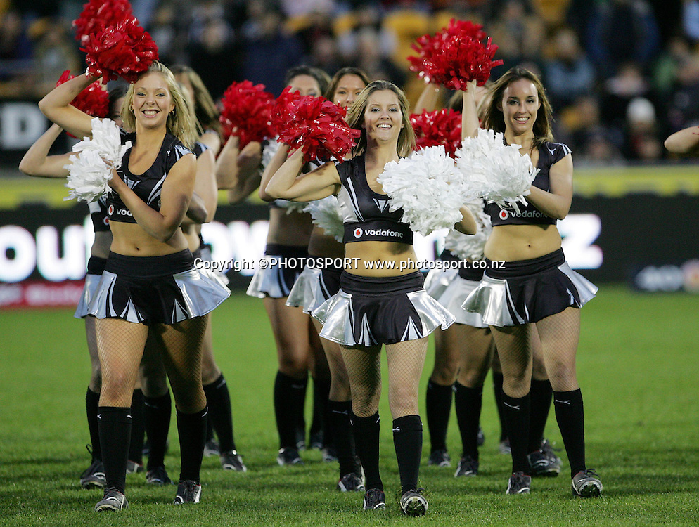 Vodafone Cheerleaders. NRL, rugby league, Vodafone Warriors v Roosters, Mt Smart Stadium, Auckland, Sunday 25 May 2008. Photo: Renee McKay/PHOTOSPORT