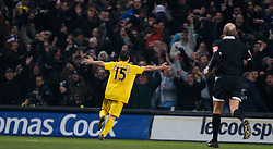 MANCHESTER, ENGLAND - Tuesday, December 18, 2007: Tottenham Hotspur's Steed Malbranque celebrates scoring the second goal against Manchester City during the League Cup Quarter Final match at the City of Manchester Stadium. (Photo by David Rawcliffe/Propaganda)