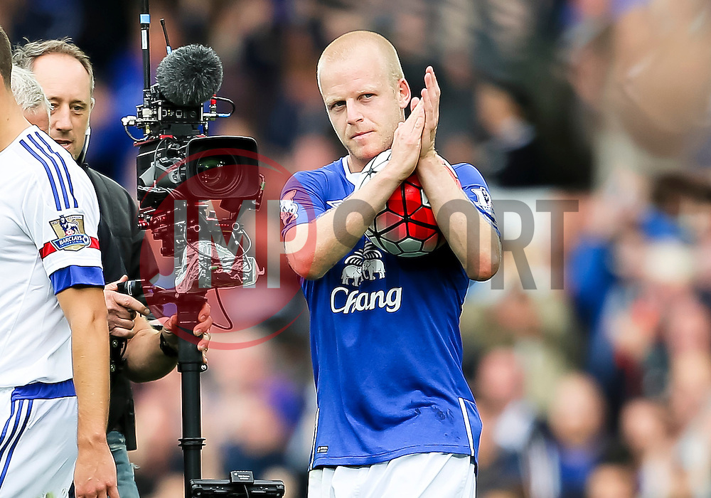 Everton's Steven Naismith celebrates at full time with the match ball after scoring his hat-trick  - Mandatory byline: Matt McNulty/JMP - 07966386802 - 12/09/2015 - FOOTBALL - Goodison Park -Everton,England - Everton v Chelsea - Barclays Premier League