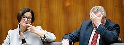 03.04.2013, Parlament, Wien, AUT, Parlament, 196. Nationalratssitzung, Sondersitzung des Nationalrates, aufgrund einer dringlichen Anfrage zum Thema: Vergabepraxis im Innenministerium. im Bild v.l.n.r. Bundesministerin fuer Inneres Mag. Johanna Mikl-Leitner ÖVP und Bundesminister fuer Arbeit, Soziales und Konsumentenschutz Rudolf Hundstorfer SPÖ // f.l.t.r. Interior Minister Johanna Mikl Leitner OEVP and Secretary of state for employment, social affairs and consumerism Rudolf Hundstorfer SPOE during the 196th meeting of the national assembly of austria, austrian parliament, Vienna, Austria on 2013/04/03, EXPA Pictures © 2013, PhotoCredit: EXPA/ Michael Gruber