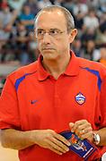 DESCRIZIONE : Scandiano (RE) Lega A 2013-14 Grissinbon Reggio Emilia PBC CSKA Moskow <br /> GIOCATORE : Coach Ettore Messina <br /> SQUADRA : PBC CSKA Moskow <br /> EVENTO : PRECampionato Lega A 2013-2014<br /> GARA :  Granarolo Virtus Bologna PBC CSKA Moskow<br /> DATA : 18/09/2013<br /> CATEGORIA : Coach Fair Play <br /> SPORT : Pallacanestro<br /> AUTORE : Agenzia Ciamillo-Castoria/A.Giberti<br /> Galleria : Lega Basket A 2013-2014<br /> Fotonotizia : Scandiano Lega A 2013-14 Grissinbon Reggio Emilia PBC CSKA Moskow  <br /> Predefinita :