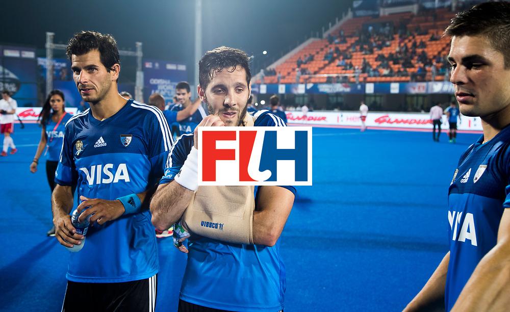Odisha Men's Hockey World League Final Bhubaneswar 2017<br /> Match id:14<br /> England v Argentina , Quater Final<br /> Foto: Injured Agustin Mazzilli (Arg) , shoulder,  met Gonzalo Peillat (Arg) <br /> WSP COPYRIGHT KOEN SUYK&sect;