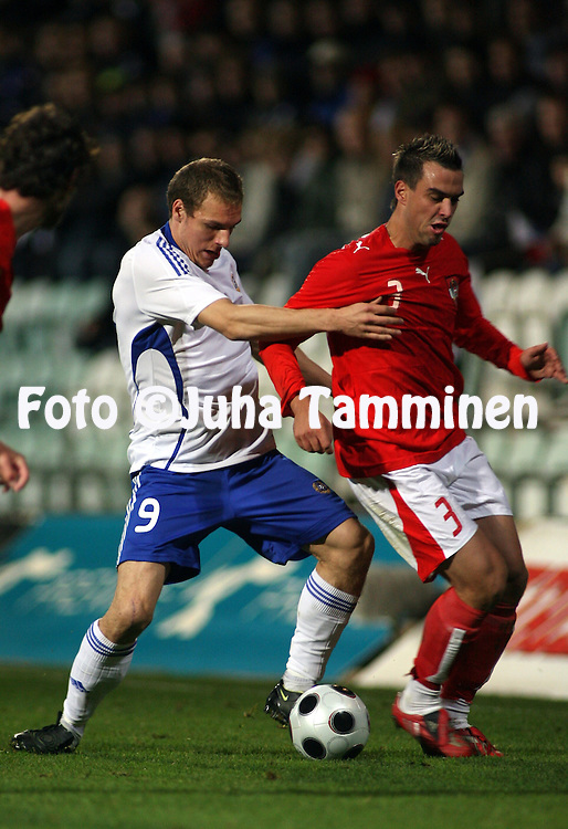 14.10.2007, Veritas stadion, Turku, Finland..Alle 21-vuotiaiden EM-karsinta, jatkokarsinnan 2. osaottelu Suomi - It?valta / UEFA Under 21 European Championship Qualifiers, Play-off, second leg match Finland v Austria.Timo Furuholm (Finland) v Andreas Dober (Austria).©Juha Tamminen.....ARK:k