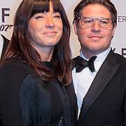 NLD/Amsterdam/20121028 - Inloop premiere nieuwe James Bond film Skyfall ,Marijn Krabbe en partner Amanda