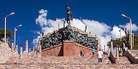 MONUMENTO A LA INDEPENDENCIA (Ernesto Soto Avendaño, 1950), HUMAHUACA, PROVINCIA DE JUJUY, ARGENTINA (PHOTO © MARCO GUOLI - ALL RIGHTS RESERVED)