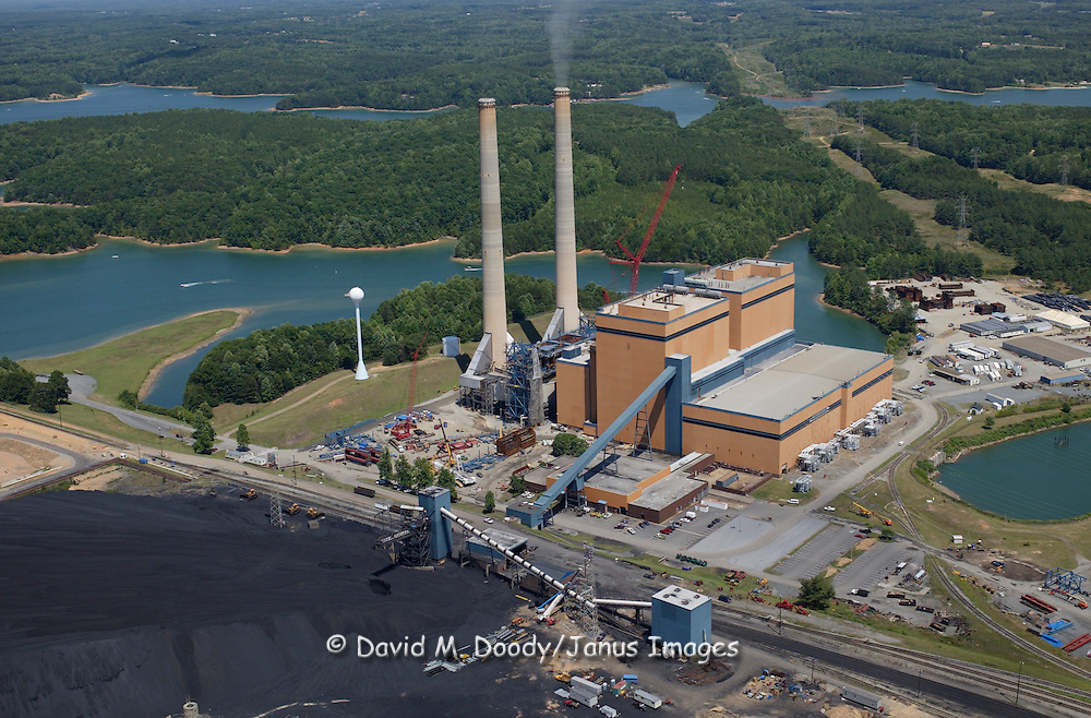 Aerial view of the Clover Power Station located on the Staunton River, in Halifax County, Virginia, operated by Dominion Power. Coal fired Electric power generating plant on Buggs Island Lake on the North Carolina-Virginia Border.  Virginia Buggs Island Lake (also known as John H. Kerr Reservoir) Created by damming up the Roanoke River  50,000-acre lake with over 800 miles of shoreline, is the largest lake in Virginia