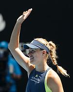 ANGELIQUE KERBER (GER) winkt und bedankt sich beim Publikum nach ihrem Sieg,Freude,Emotion<br /> <br /> Tennis - Australian Open 2018 - Grand Slam / ATP / WTA -  Melbourne  Park - Melbourne - Victoria - Australia  - 24 January 2018.
