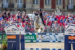 STAIS Alexa (RSA), ITS THE SENATOR 111<br /> Münster - Turnier der Sieger 2019<br /> MARKTKAUF - CUP<br /> BEMER-Riders Tour - Qualifier for the rating competition (comp no 11)  - Stechen<br /> CSI4* - Int. Jumping competition with jump-off (1.50 m) - Large Tour<br /> 03. August 2019<br /> © www.sportfotos-lafrentz.de/Stefan Lafrentz